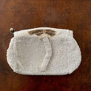 {Vintage} Hand beaded clutch